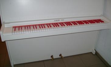 Pianina Yamaha i inne 034